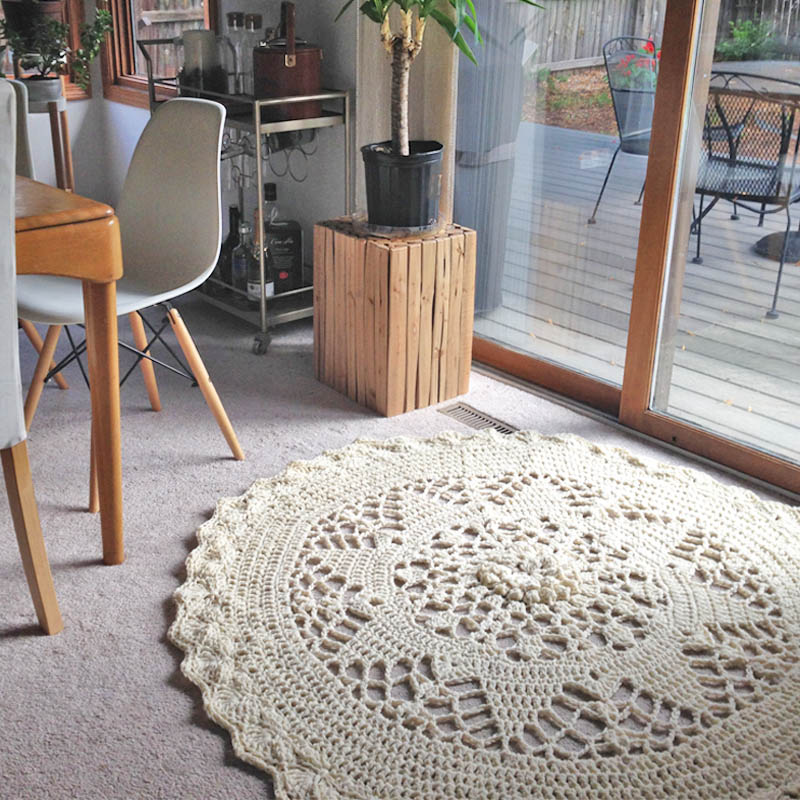 Crochet Mandala Rug in Chunky Yarn