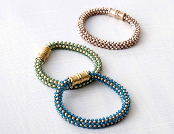 The pattern for these magnetic-clasp CRAW bracelets is included in Marcia's workshop.